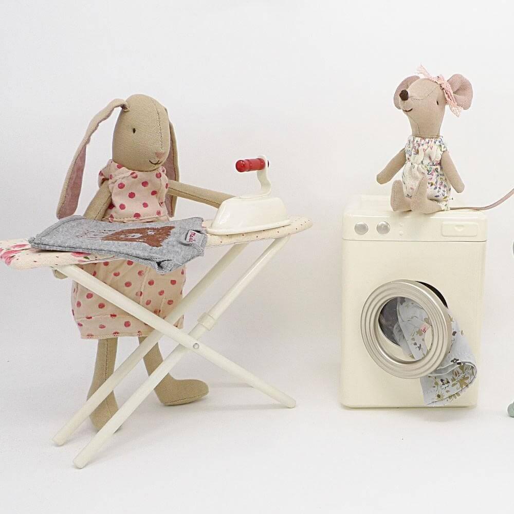 شستشوی عروسک
