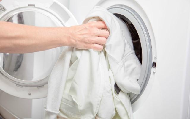 شستن لباس سفید با لباسشویی