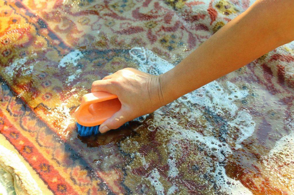 شستشوی فرش دستباف در خانه