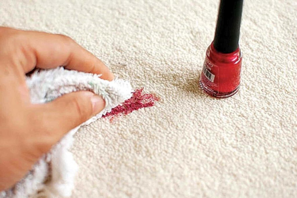پاک کردن لاک روی فرش دستباف