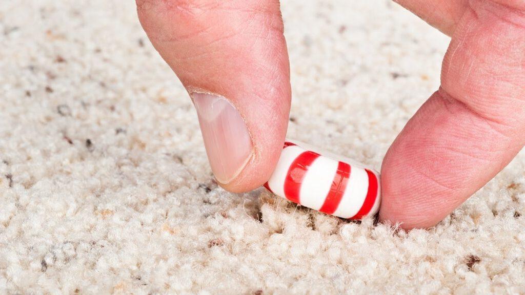 پاک کردن لکه آبنبات از روی موکت