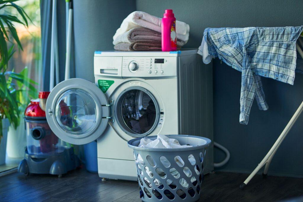 شستن لباس با خشکشویی