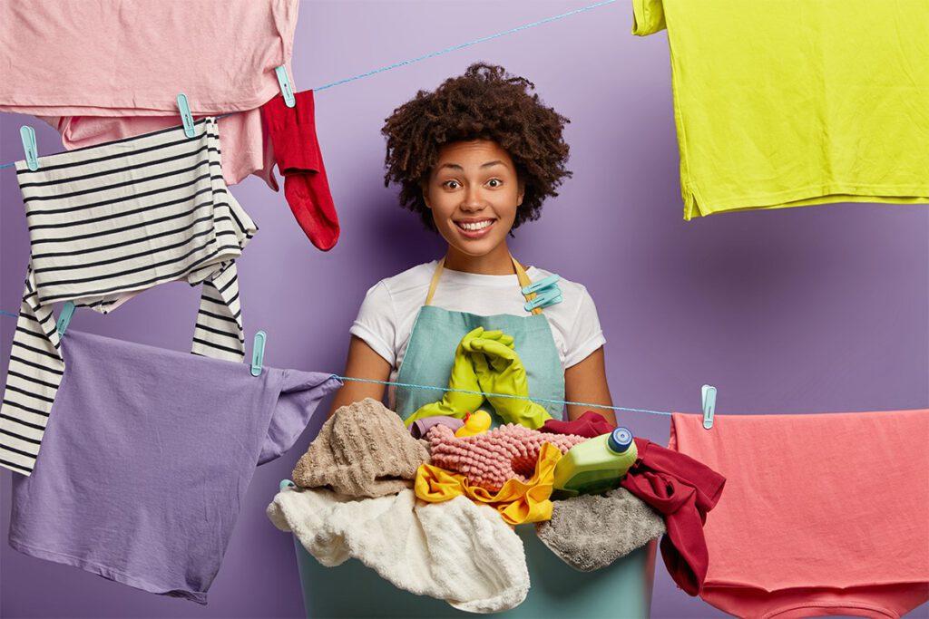 جدا کردن لباس رنگی و سفید قبل شستشو